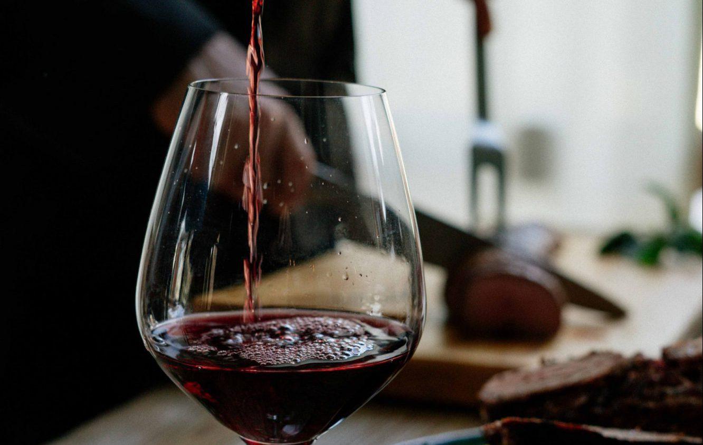 vin rouge avec viande rouge